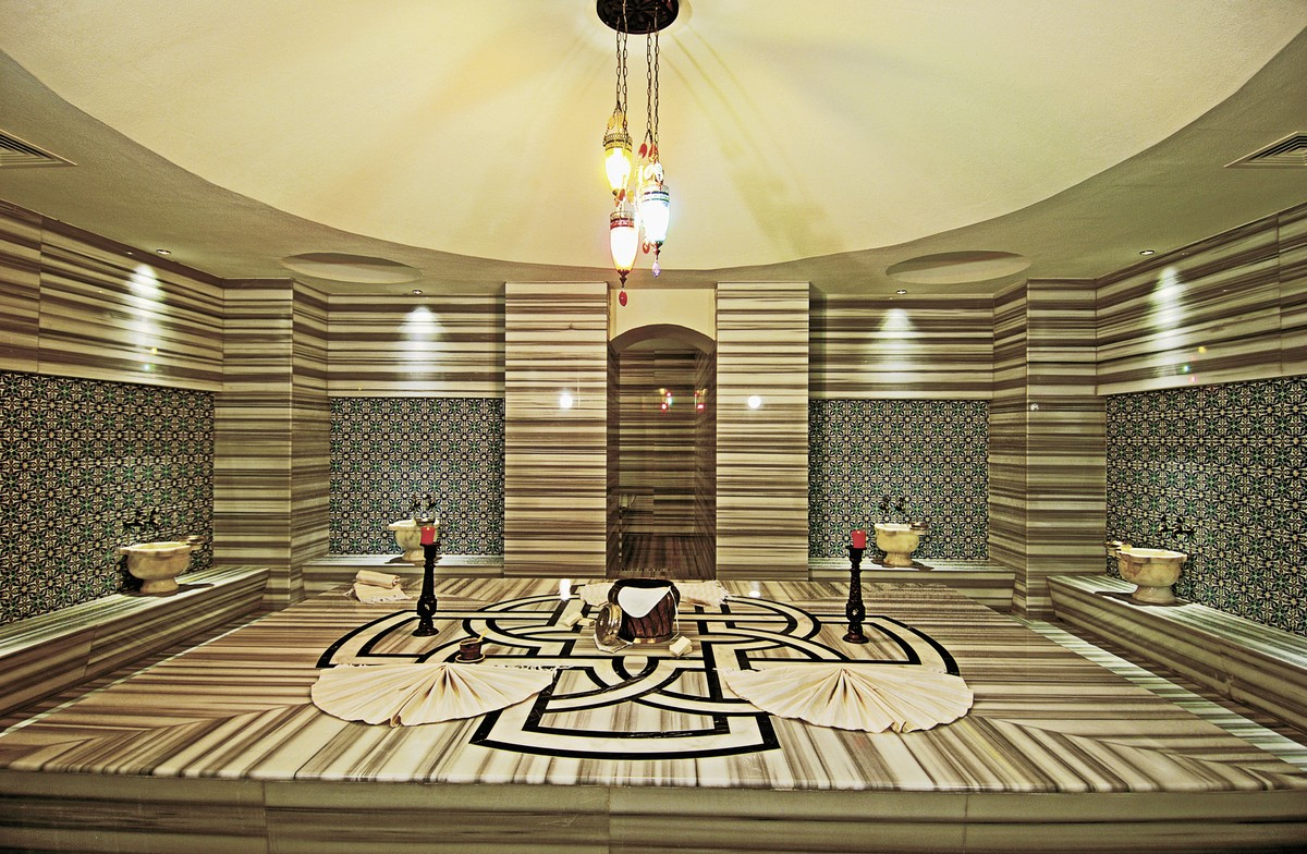 Commodore Elite Suite & Spa